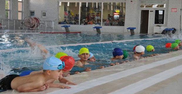 Yüzme Havuzu Kış Sezonunda da Hizmette